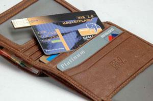 Wallet Flash 1.1: самый тонкий в мире USB флеш-диск