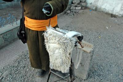 Монголия: белый аппарат вместо телефонной будки
