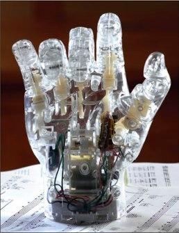 Кибер-рука пианиста украсит любой интерьер