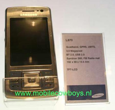 Смартфон Samsung L870 работает под управлением операционной системы Symbian